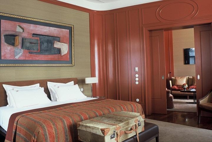hotel bairro alto mansard room