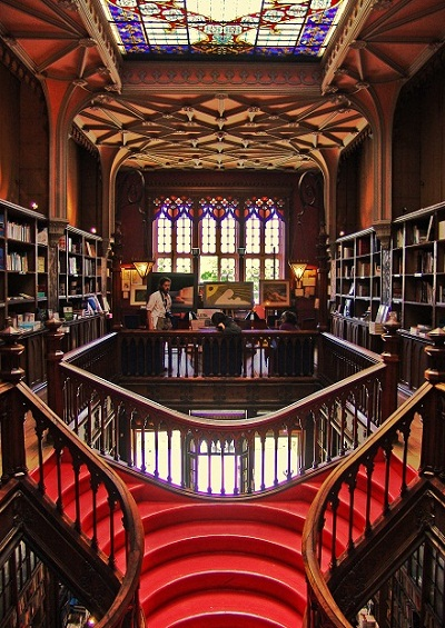 livaria lello porto beautiful bookstore
