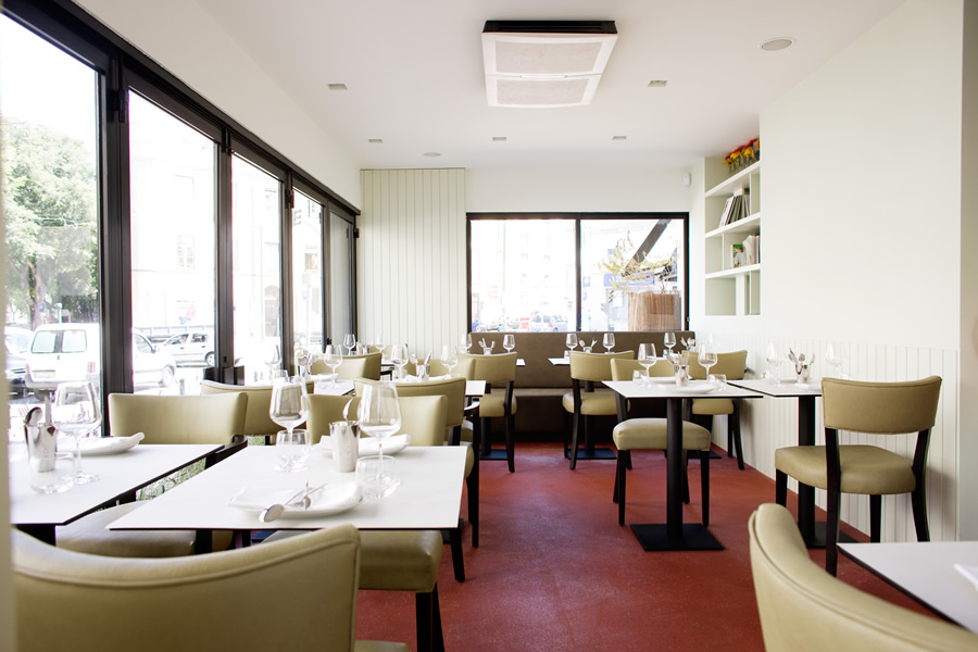 Tasca Esquina Dining Room