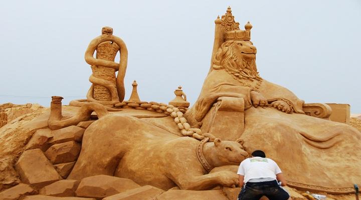lion king sand sculpture fiesa 2011 algarve portugal