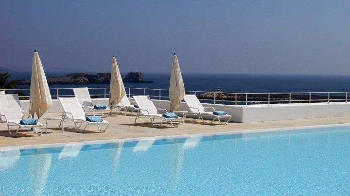 Pool deck beach views memmo baleeira sagres portugal