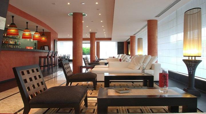 lobby bar, praia verde hotel, algarve portugal