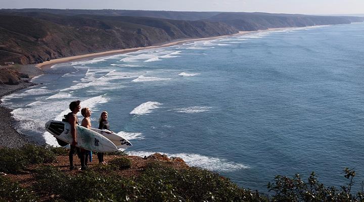 surfers sagres, western algarve, surfistas