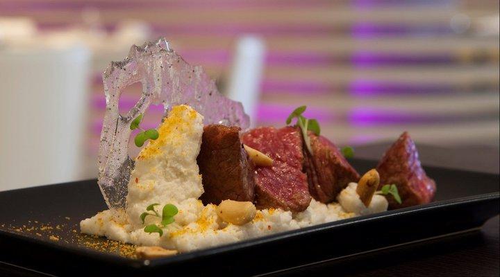 wagyu plate ushi cafe lisbon trendy japanese portugal