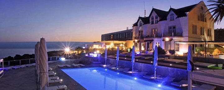 Farol design hotel luxury on the rocks in cascais for Design boutique hotels algarve