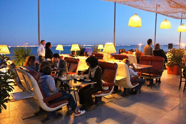 clube ferroviaria railway club santa apolonia trendy bar lisbon lisboa