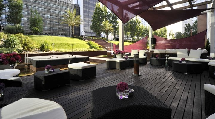 Hotel corinthia comfort sophistication in central for Terrace hotel breakfast