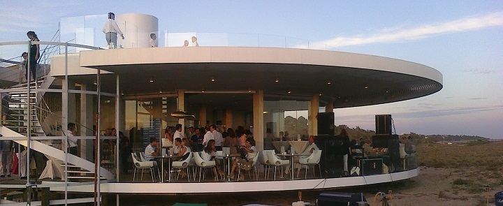 trendy beach restaurant algarve portugal chakall
