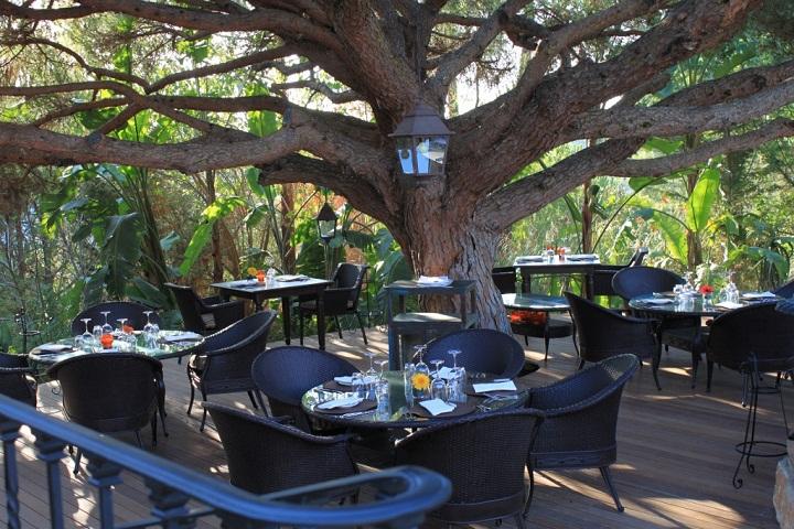 terrace al freco dining parrilla natural almancil algarve