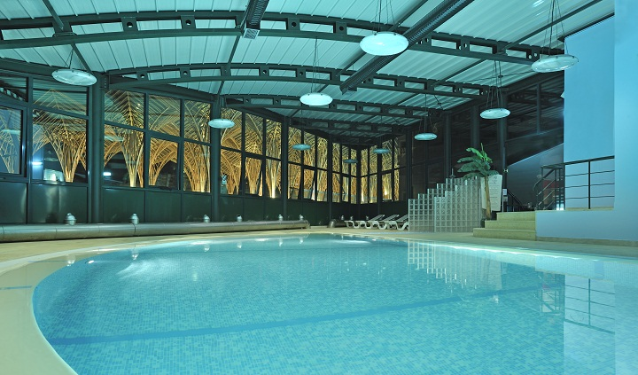 indoor pool, tivoli oriente lisbon