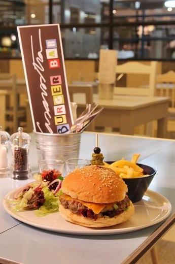 classic burger Hamburgeuria Casavostra,