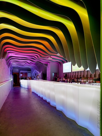 E Pra Poncha bar, bar nightlife porto, contemporary design bar,