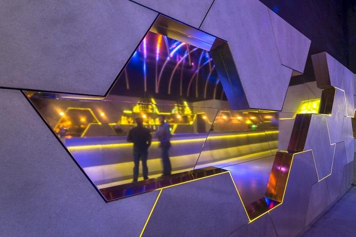 Instalaçao nightclub bar bixa porto oporto
