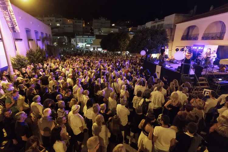 carvoeiro black and white party