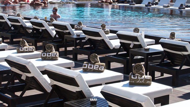 purobeach vilamoura, trendy hip cool pool lounge vilamoura algarve,