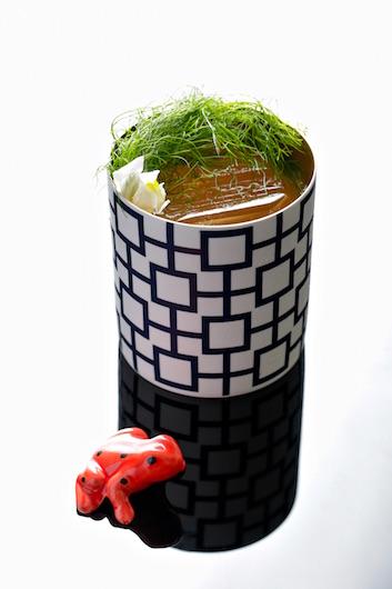 red frog speakeasy cocktail bar lisbon lisboa,