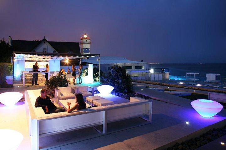 Farol design hotel luxury on the rocks in cascais for Design hotel lisbona