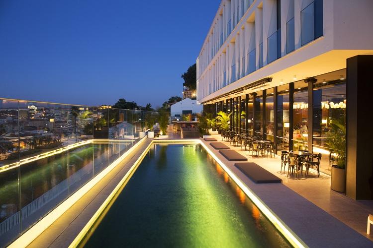 Memmo pr ncipe real classic contemporary cosmopolitan portugal confidential for Lisbon boutique hotel swimming pool